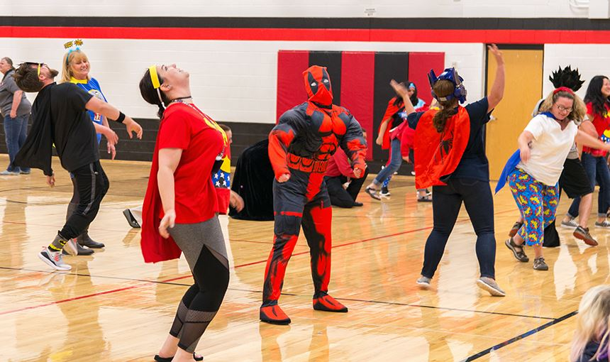 HMS staff flash mob for students during the first Renaissance assembly of the2017-2018 school year.