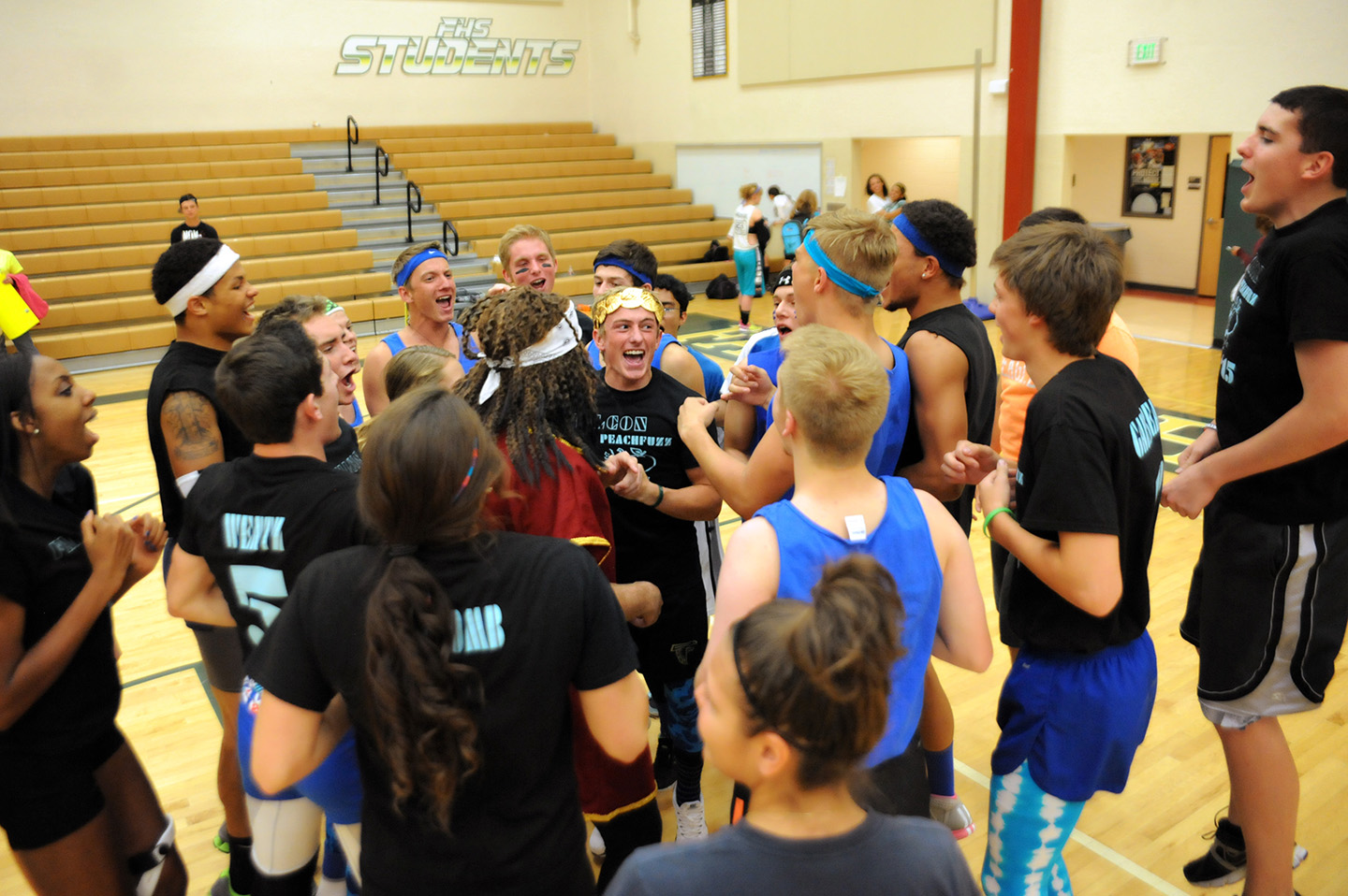 140924 652 jpg falcon high school seniors defeat juniors at peach fuzz volleyball