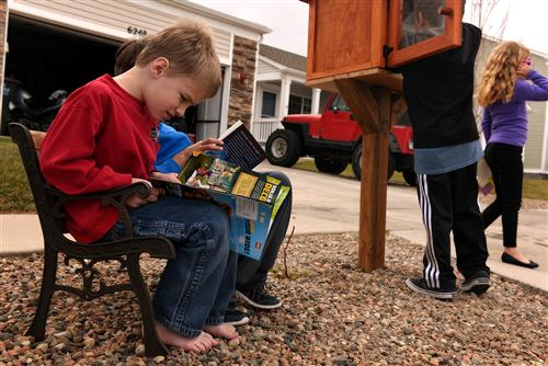 Little Free Library World Map.Rves Family Opens Little Free Library