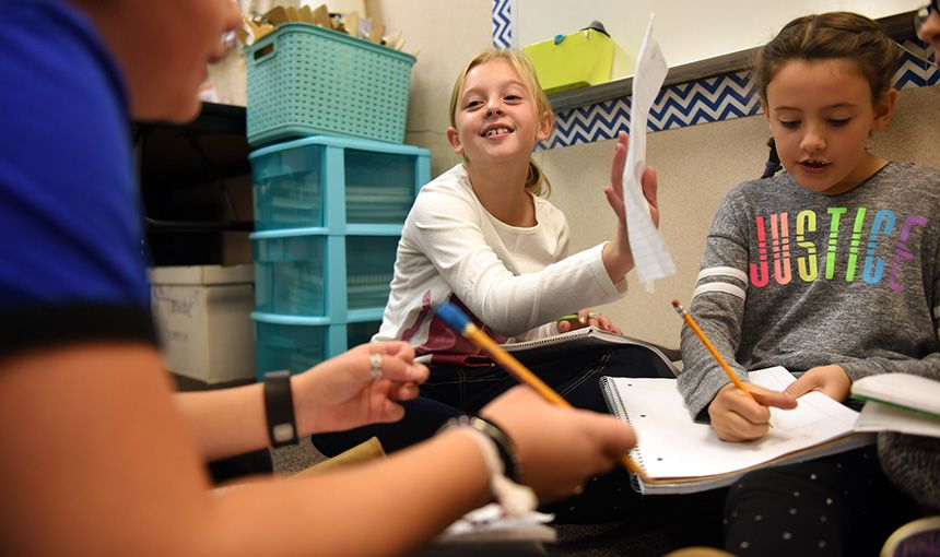Fourth-graders Study Government, Vote During Election Day