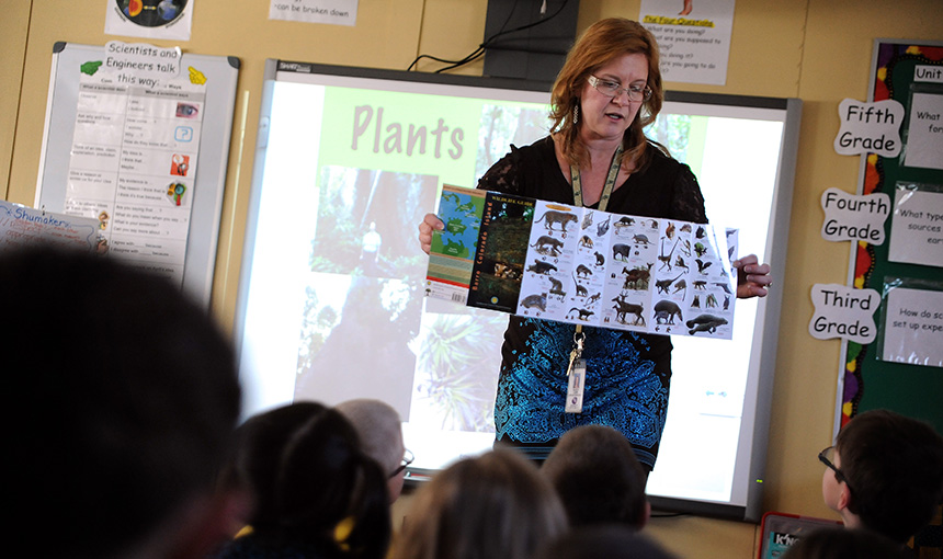 Teacher Brings Panama Exploration to Second Graders