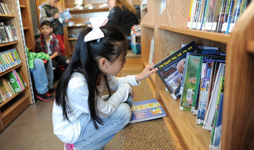 Bookmobile Brings the Library to Students