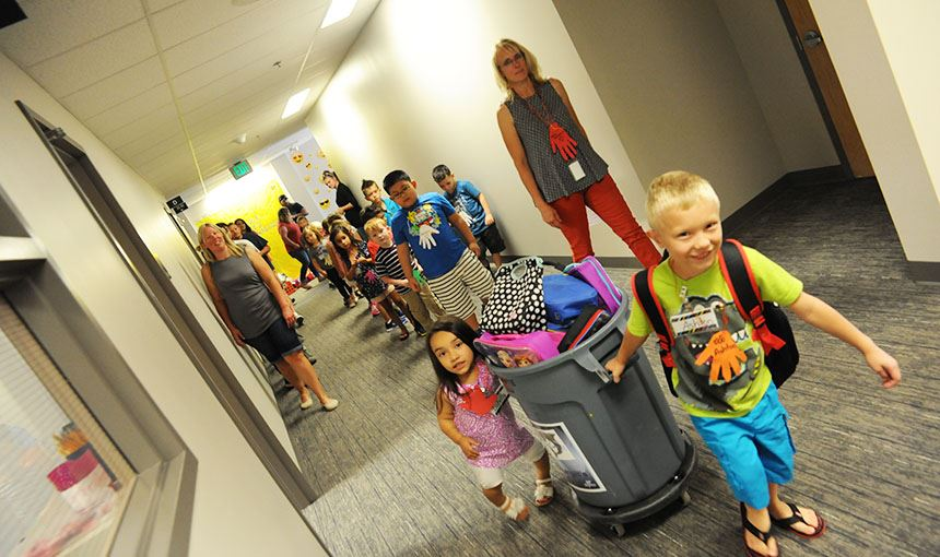 WHES kindergarten class heads to lunch