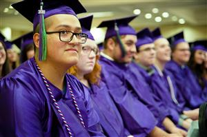 SSAE Grads listen to commencement ceremonies